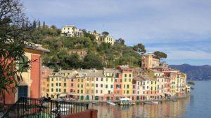 Vista delle caratteristiche casette di Portofino
