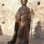 la statua di Ilaria del Carretto a Zuccarello