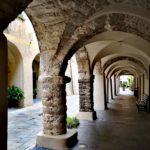 Gli antichi portici di Zuccarello