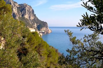 panorama dal sentiero da Varigotti alla torre delle streghe