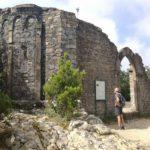 Abside e porta a ogiva di Sant'Antonio al Mesco