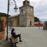 La piazza di Costa con la torre carolingia