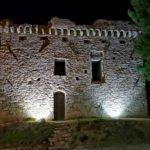 La Torre Gallinara a Cipressa di notte