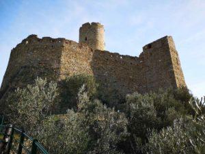 Noli - il maestoso Castello di Monte Ursino