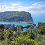 Discesa a Portovenere - vista su Portovenere e Palmaria