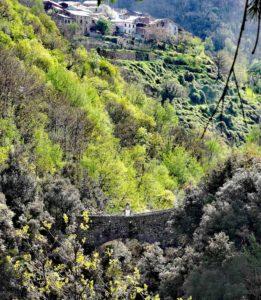 Il Ponte di Nascio e sopra Cassagna