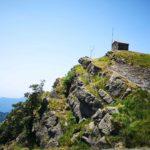 La cappelletta sulla cima sud ovest del Ramaceto