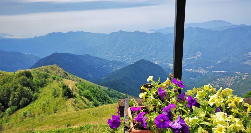 la splendida vista dal rifugio del Monte Caucaso