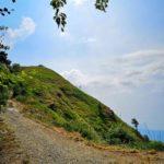 La sella sotto la cima del Monte Caucaso