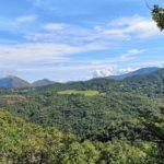 Panorama all'uscita dal bosco del Bric dei Ladri