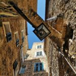Tra le case di Sasso di Bordighera