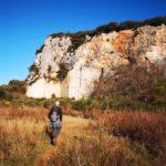La vecchia cava lungo il sentiero per la Rocca di Perti
