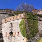 Le mura di Forte Sperone