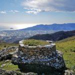 La casella doppia sul Monte Acuto con il suo tetto d'erba
