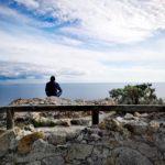 Meditazione presso la Torre di Punta Crena