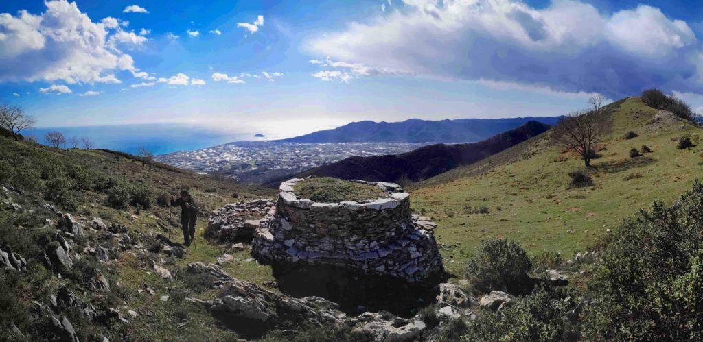 Vista della piana di Albenga dalla casella doppia sul Monte Acuto