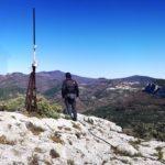Riccardo si gode il panorama dalla cima di Rocca Carpanea