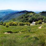 Scendendo dalla cima del Monte Antola
