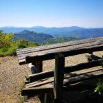 Tavolo panoramico sul percorso Casa del Romano Monte Antola
