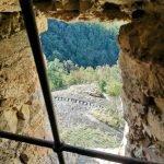 La scalinata di accesso attraverso una finestra dell'avancorpo