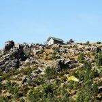 La Cappella della Baiarda sul costone roccioso omonimo