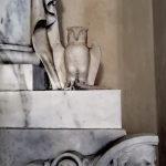 La civetta sulla tomba di Benedetta Bellando al Santuario dell'Acquasanta