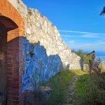 Garitta e panorama dal Forte di Rocca Liverna