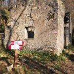 L'Ostaja do Castellusso, all'incrocio per Terre Rosse