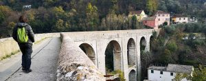 Sul grandioso Ponte-canale sul Rio Torbido